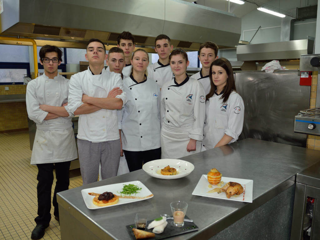 Bac Pro Cuisine Section Europeenne Lycee Flora Tristan La